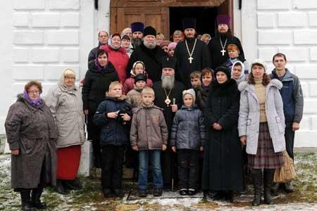 Прихожане Вознесенского храма села Тархово Клинского благочиния